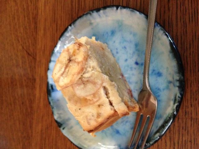バナナケーキを焼きました